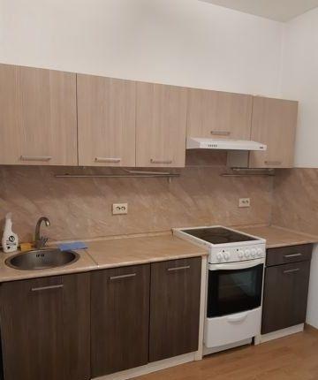 Сдается однокомнатная квартира  Кухонный гарнитур, диван.